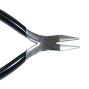 Flat nose plier with spring